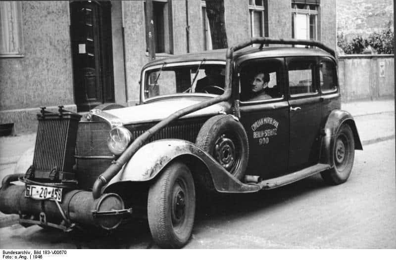 Berlin, Pkw mit Holzgasantrieb